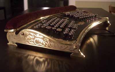 24. Steampunk-style Keyboard – Клавиатуры в стиле Steampunk