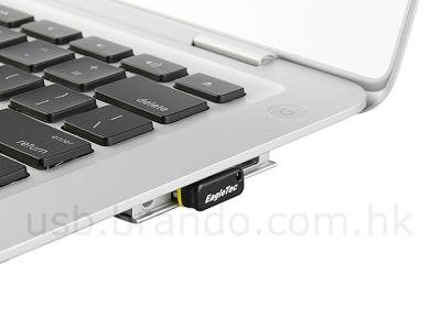 EagleTec USB Nano Flash Drive в работе