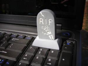 Флешка в виде надгробного камня - tombstone 4gb flash drive