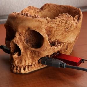 skullhub_usb_closeup