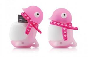 4Gb Bone Penguin Valentine - розовый пингвин с сердечками