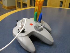 N64 Controller Pen Caddy and USB Extender  - Органайзер из геймпада