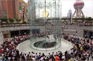 Любовь к Apple перерастает в религию?