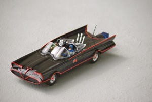 1960's 16GB Batmobile Flash Drive - Флешка-бэтмобиль