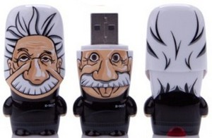 Einstein USB flash drive – флешка в виде Эйнштейна