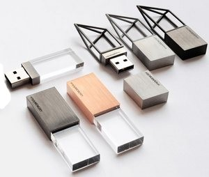 Empty USB flash drive – флешка, которой нет