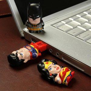 DC Comics MimoMicro USB Drive & Reader – кардридер от Mimobot